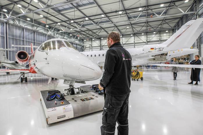 FAI AG - Blick auf die Hangarhallen